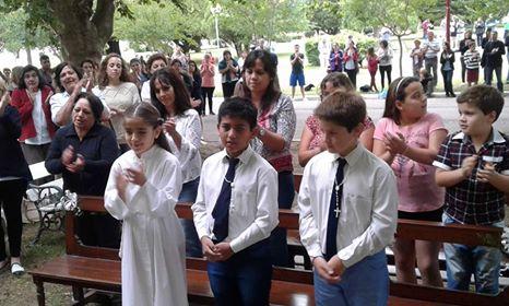 Procesión y primera comunión