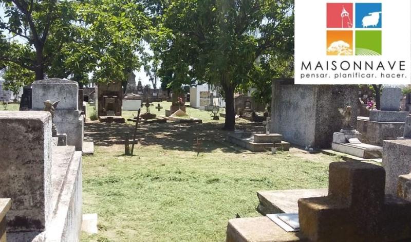 Mantenimiento en el cementerio